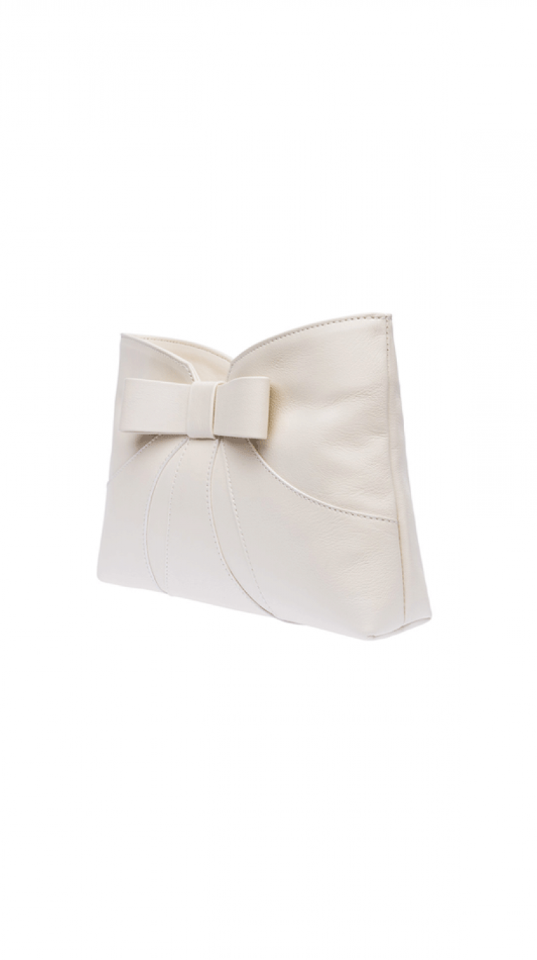 Bow Clutch Sideview