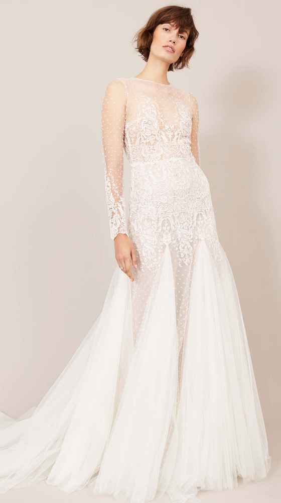 glamorous bidal dress with tulle