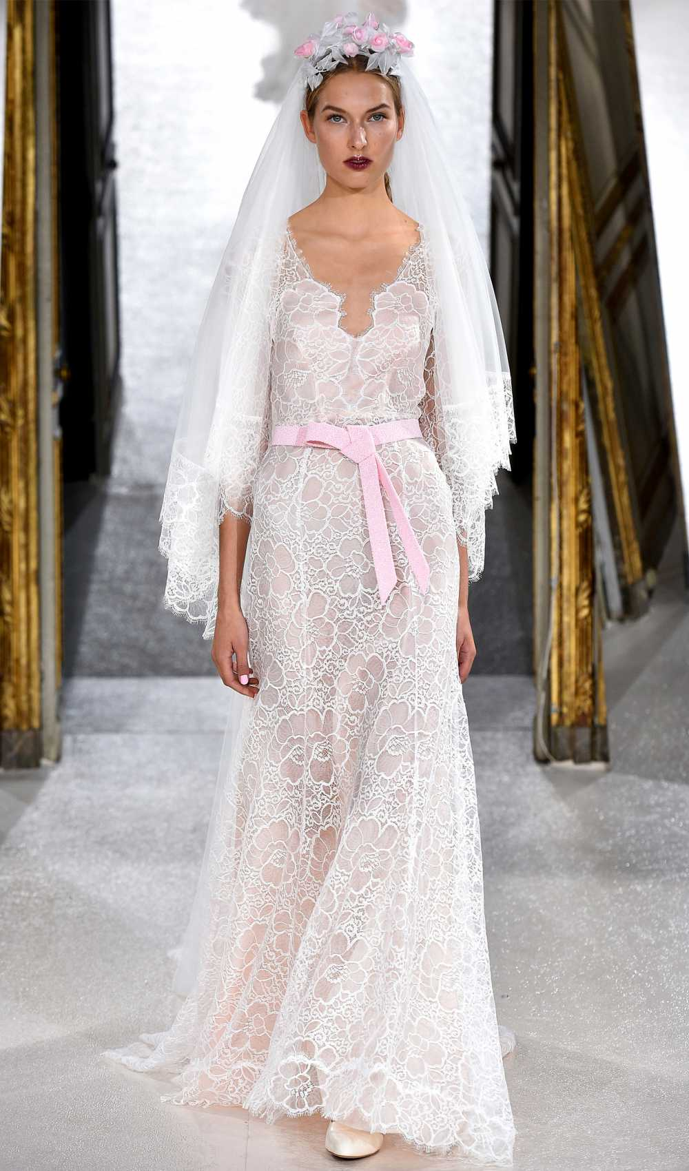 runway Kaviar Gauche Rose Garden Lace Dress