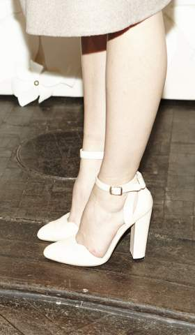 Side view Petite Bow Pumps